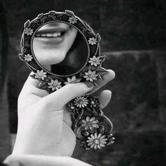 جمال الوجوه في المرايا  وجمال القلوب في النوايا ..!