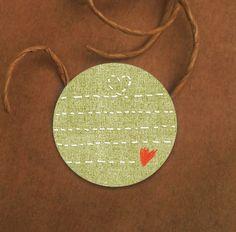 Mit Herz! Linierter Sticker in Näh-Optik, 4cm grün, Etiketten zum Verpacken von Geschenken