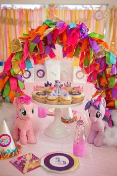 Tassel Arch + Decor + Cupcakes from a My Little Pony Birthday Party My Little Pony Party, Bolo My Little Pony, Cumple My Little Pony, Pink Birthday, Unicorn Birthday Parties, My Little Pony Decorations, Little Poney, Birthday Decorations, Party Ideas