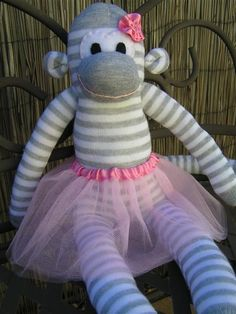 "Sock Monkey by Thimbelina with a link for ""Tutorial by Craft Passion"" (sock crafts link) Sock Monkey Baby, Pet Monkey, Sock Crafts, Sewing Crafts, Fun Crafts, Sewing Tutorials, Sewing Patterns, Clay Tutorials, Doll Patterns"
