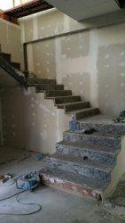 Encimeras de granito tipos colores fotos precios - Escaleras de interior de obra ...