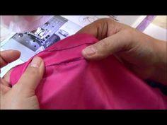 Las telas elásticas se deben coser con una puntada elástica para evitar que se rompa al estirar la Tela. En este video pongo el paso a paso del ajuste detall... Sewing Hacks, Sewing Tutorials, Sewing Projects, Fashion Royalty Dolls, Learn To Sew, Apparel Design, Couture, Knitting, Crochet