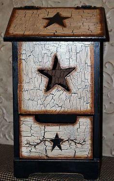 Country Farmhouse Texas Primitive Star Handpainted LG Potato & Onion Bin storage | eBay Primitive Stars, Primitive Kitchen, Country Primitive, Country Farmhouse, Primitive Decorations, Prim Decor, Primitive Crafts, Rustic Decor, Potato Box