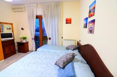 #SorrentoCoastRoom: Sorrento Coast Residence, 8-minute walk of Corso Italia, offers terrace, balcony with sea views, Air conditioning, TV, Free WiFi...