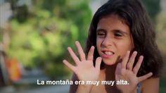 El peligroso viaje en barco a Grecia a través de los ojos de una niña refugiada