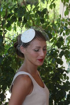 Vintage inspired bridal hair piece by lipsandpiecesbridal on Etsy, €54.00
