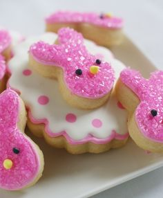 PINK BuNNy Cookies @Bake at 350  Luv Bake at 350 blog...lots of tutorials on cookie decorating and royal icing recipe