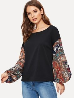 To find out about the Contrast Floral Print Lantern Sleeve Pullover at SHEIN, part of our latest Sweatshirts ready to shop online today! Sewing Clothes, Diy Clothes, Tee Shirt Dentelle, Ladies Dress Design, Refashion, Types Of Sleeves, Blouses For Women, Ladies Blouses, Fashion News
