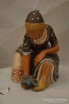Kovács Margit: Palántázó Hungarian Women, Figurative, Museum, Sculpture, Ceramics, Painting, Art, Hungary, Ceramica