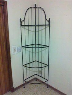 Esquinero en hierro y vidrio Magazine Rack, Outdoor Structures, Storage, Furniture, Home Decor, Ideas, Iron, Ornaments, Home