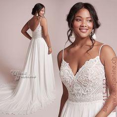 Ein traumhaft besticktes Oberteil verleiht diesem fliessenden Brautkleid eine unbeschreibliche Raffinesse Formal Dresses, Wedding Dresses, Fashion, Gown Wedding, Evening Dresses, Dresses For Formal, Bride Dresses, Moda, Bridal Gowns