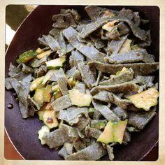 maltagliati-ortica-zucchine-bottarga