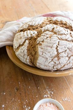 Sauerteig Grundrezept, Roggen-Topfen-Weckerl und Roggenbrot – sophieschoices Bakery, Food And Drink, Vegan, Cooking, Construction, Healthy, Sourdough Recipes, Baked Goods, Foods