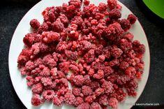 Cum se prepara dulceata de zmeura intreaga Savori Urbane (1) Gem, Raspberry, Food And Drink, Urban, Gemstones, Raspberries, Bud, Gems, Gemstone