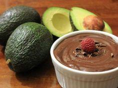 Συστατικά -2 μεγάλα αβοκάντο -1/2 κούπα σιρόπι σφενδάμου -1/2 κούπα σκόνη κακάο -3 κουταλιές της σούπας λάδι καρύδας -1/2 κουταλάκι του γλυκού ξίδι βαλσάμικο * -1/2 κουταλάκι του γλυκού σάλτσα σόγιας (nama shoyu) * * Τα υλικά αυτά είναι προαιρετικά. Μπορείτε εύκολα να καλύψετε τη γεύση του αβοκάντο με περισσότερη σκόνη κακάο, γι' αυτό η …