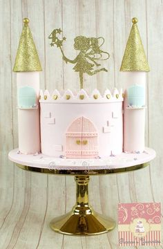 Remarkable Princess Birthday Party Ideas Anyone can make Fairy Castle Cake, Castle Birthday Cakes, Fairy Birthday Cake, Birthday Cake Girls, 4th Birthday, Disney Castle Cake, Cupcakes Princesas, Bolo Rapunzel, Princesse Party