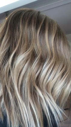 Blonde Lowlights, Blonde Hair With Highlights, Color Highlights, Blonde Dimensional, Blonde Root Stretch, Haircuts For Thin Fine Hair, Shoulder Length Blonde, Competition Hair, Blonde Roots