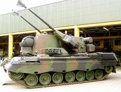 Cheetah PRTL met handschoentjes aan. World Tanks, Cold War, Homeland, Cheetah, Military Vehicles, Cool Cars, Dutch, Mexico, Weapons Guns
