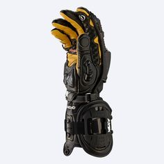 Black and White Handroid Motorcycle Gloves Carapace, Tac Gear, Motorcycle Gloves, Military Gear, Ex Machina, Cool Gear, Riding Gear, Body Armor, Survival Gear