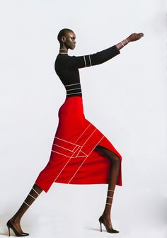 "teiq: ""Alek Wek for V magazine (2001) Original photo shot by Greg Kadel. "" très inspiré du travail de jean paul Goude !"