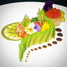 Avacado Salad with Smoked Fish and Caviar - Avocado salad with smoked fish and caviar – # avacado # caviar # smoked # fish - Gourmet Food Plating, Food Plating Techniques, Plate Presentation, Sushi Art, Sushi Food, Smoked Fish, Think Food, Food Decoration, Culinary Arts