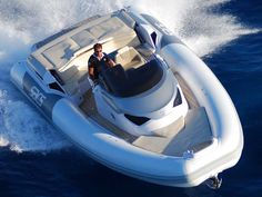 SACS Marine - Top Class - Strider 11 - Info @ www.marinfinito.com