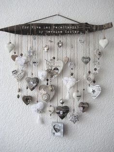 December daily project for Viva Las VegaStamps – Hermine's Place Carillons Diy, Diy Crafts, Handmade Christmas Decorations, Christmas Crafts, Heart Decorations, Valentine Decorations, Diy Wind Chimes, Driftwood Crafts, I Love Heart