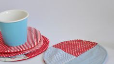 Great solution for office! Place Mats, Textiles, Hats, Kitchen, Fabric, Handmade, Diy, Tejido, Cooking