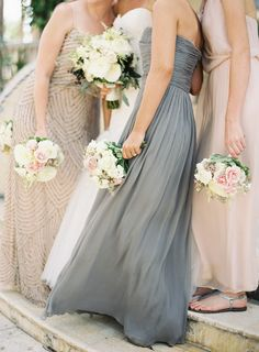 Pink and gray mismatched bridesmaids | Photo: Jessica Lorren Organic Photography