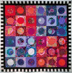 #kaffe #kaffefassett #quilt #quilting #wip #onthedesignwall #circleinasquare