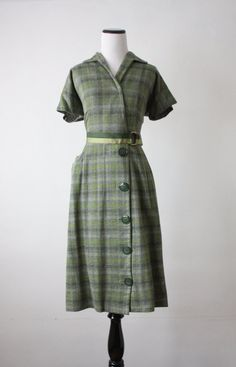 40s plaid day dress. I really think that this must be made soon.