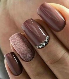 best shiny and shiny silver nail designs (page - best models of shiny and shiny silver nails (page Guide to silver nail polish When the weath - Silver Nails, Pink Nails, Glitter Nails, Shellac Nails Fall, Purple Glitter, Stylish Nails, Trendy Nails, Nail Polish Designs, Nail Art Designs