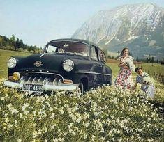 """Tarihi Bilim on Twitter: """"Opel arabalarının reklamı için çekilmiş olan fotoğraflar, 1950'ler.… """" General Motors, Olympia, Half A Decade, Pontiac Lemans, Holden Commodore, Ford, Commercial Vehicle, Limousine, Car Ins"""