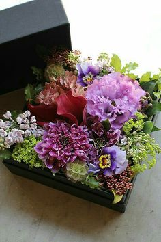 Stress Management With Flowers Flower Box Gift, Flower Boxes, My Flower, Flower Art, Elegant Flowers, Amazing Flowers, Beautiful Flowers, Bouquet Box, Flower Packaging