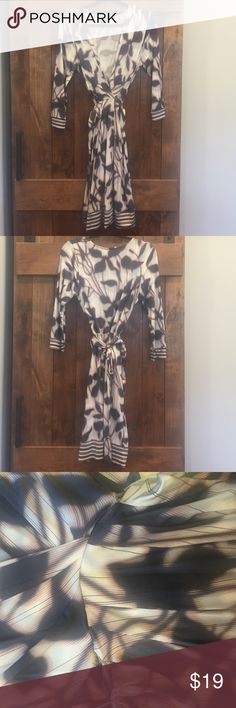 bcbgmaxazria gathered front printed dress Soft, beautiful gathered front tie dress by BCBG is such a great piece to add to your closet!! Comes with inner lining/slip. No pilling. There is a little tear on either side of the attached belt. Could easily be sewn. Will price accordingly for this. Size medium (fits like an 8-10) hand wash cold/lay flat to dry. BCBGMaxAzria Dresses