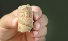 The head of an 8,000-year-old statue, believed to belong to a fertility goddess, has been found in western Turkey. Associate Professor Zafer Derin said they had found very important pieces during this year's excavations, adding that the four-centimeter head of the statue had a special meaning as it was the first of its kind discovered in Turkey. AA photo, August 2013