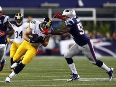 New England Patriots middle linebacker Jerod Mayo (51)