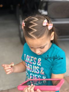 Lainey's Hair Show gives more to a hairstyle by adding different part lines! Easy Toddler Hairstyles, Easy Little Girl Hairstyles, Cute Hairstyles For Kids, Cute Girls Hairstyles, Kids Braided Hairstyles, Childrens Hairstyles, Baby Hair Dos, Girl Hair Dos, Braids For Kids