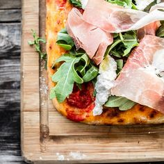 We cannot wait for the Hillcrest crowd to try our delicious pizzas! Just a few more months! Roman Fashion, How To Make Pizza, Slow Food, Prosciutto, Arugula, Hawaiian Pizza, Vegetable Pizza, Italian Recipes, Crowd