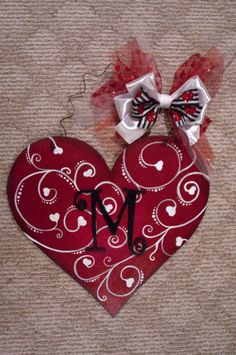 Excited to share this item from my shop: Valentine's Day Heart - Swirl Heart Valentines Day Food, Valentine Day Wreaths, Valentines Day Hearts, Valentines Day Decorations, Valentine Day Crafts, Valentine Heart, Valentine Ideas, Valentine Stuff, Holiday Wreaths