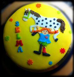 Pippi Longstocking cake Pippi Longstocking, Sugar Plum Fairy, Book Cakes, Alice, Cake Decorating Tools, Birthday Bash, No Bake Cake, Party Themes, Pepsi