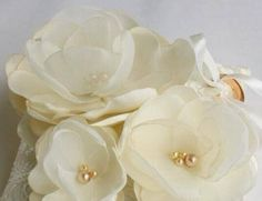 Porta alianzas flores