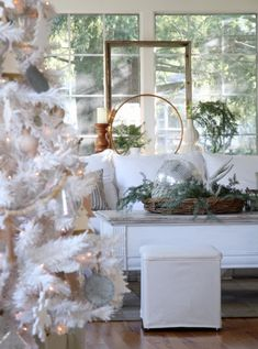 Craftberry Bush | Christmas Home Tour with Zevy Joy | http://www.craftberrybush.com