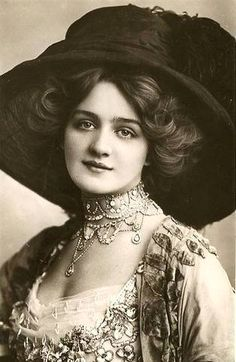 "Beautiful English actress, Lily Elsie.  Starred in ""The Merry Widow."""
