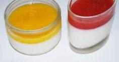 """Panna cotta """"allégées"""" et leur coulis mangue et fraise, une recette de la catégorie Desserts & Confiseries. Plus de recette Thermomix® www.espace-recettes.fr"""