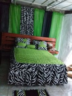 Bedroom Sets, Bedding Sets, Creative Beds, Floral Bedspread, Cute Curtains, Home Room Design, Sofa Covers, Draping, House Rooms