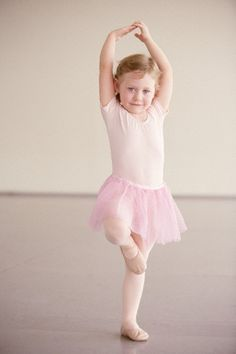 Little girls and BALLET   re-pinned by http://www.cupkes.com/