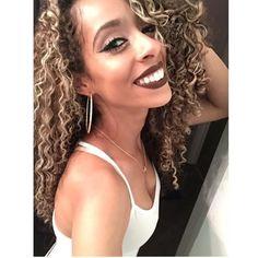 @a_reginaaa  #naturalchixs #naturalhair #naturals #natural #texture #teamnatural #beautiful #healthy #hair #hairgrowth #hairjourney #hairstyles #growth #volume #love #curlyhair #curly #curls #gorgeous #embraceyourcurls #naturalista #fashion #myhaircrush #haircrush #uknaturals #makeup #beauty #Follow #cute #curlfriends  by naturalchixs