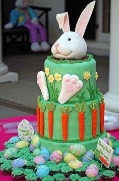 Torta di Pasqua con coniglio simpatico - FOTO