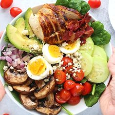 blackened chicken Cobb salad tops the charts in my book. I love how much flavor is packed in each bite and how simple it is to create. Bonus points: its a great salad to prep ahead of time! Paleo grain-free low-carb and keto-friendly. Healthy Meal Prep, Healthy Snacks, Healthy Eating, Healthy Recipes, Vegetarian Snacks, Tofu Recipes, Diet Recipes, Plats Healthy, Blackened Chicken